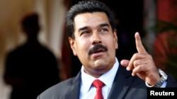 El presidente Nicolás Maduro confirmó que su país ha recibido pedido formal de asilo de parte de Edward Snowden.