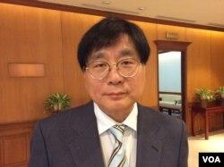 台湾关怀中国人权联盟理事长杨宪宏(美国之音申华拍摄)