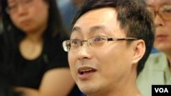香港教師莊老師擔心國民教育的實施會令家長參與造假
