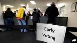 Le vote anticipé a déjà démarré dans certains États américains, comme ici dans le comté de Polk à Des Moines dans l'Iowa, le 29 septembre 2016, premier jour du vote anticipé.