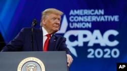 Ông Trump phát biểu tại CPAC năm 2020.