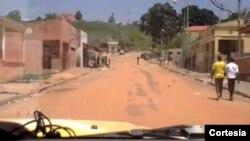 Avenida principal do município do Quimbele sem nenhuma agência bancária