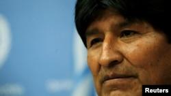 """""""Vengo en nombre del pueblo boliviano para expresar toda nuestra solidaridad, dijo Morales al llegar a la base militar aérea de Manta, una de las ciudades devastadas por el sismo."""