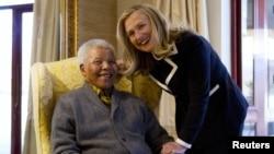 Хиллари Клинтон и Нельсон Мандела