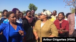 Joice Mujuru Says Friends Have Deserted Mugabe Though in Good Spirits