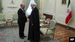 El jefe de la AIEA, Yukiya Amano, instó a todas las partes a adherirse al acuerdo acuerdo nuclear entre Teherán y varias potencias mundiales.