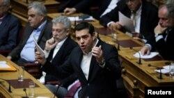 Le Premier ministre grec Alexis Tsipras répond à une question au Parlement à Athènes, Grèce, 24 février 2017.