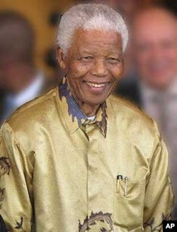 Mandela wearing another one of Buirski's famous silk shirts