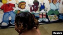 Seorang anak perempuan korban kekerasan seksual di tempat perawatan di Brazil. (Foto: Ilustrasi)