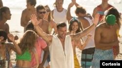 Ricky Martin estrenó el video Vida, con sabor a samba y fútbol.
