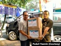 Posko Yasmin Peduli mendistribusikan 200 paket bantuan di beberapa kecamatan di Kota Bogor. (Foto: Peduli Yasmin)