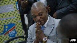 L'ancien ministre de l'Intérieur, Emmanuel Ramazani Shadary, candidat à la présidence de la république, lors du dépôt de sa candidature à la Commission électorale, à Kinshasa, le 8 août 2018.