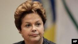 La presidenta, Dilma Rousseff, fue guerrillera durante la dictadura militar brasileña y trató de empatizar con los manifestantes desde que empezaron las protestas.
