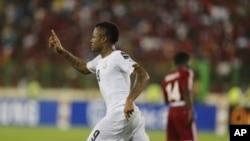 Jordan Ayew du Ghana jubile après son but lors du match Ghana-Guinée équatoriale, aux demi-finales de la CAN 2015, au stade de Malabo, 5 février 2015.