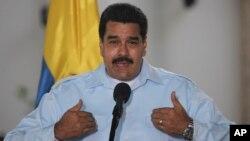 Maduro también indicó que uno de los nuevos bancos será el Banco de desarrollo comunal de Venezuela y tendrá a la cabeza al excanciller Elías Jaua.