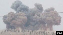 روسیه وايي پر داعش بریدونه کوي، خو لویدیځ چارواکي وايي د روسیې الوتکي هغه جنګیالي هم په نښه کوي چې لویدیځ د اسد پر ضد ملاتړ کوي.