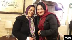 آتنا دائمی درمهرماه ۹۳ بازداشت شد و پس از ۸۶ روز تحمل سلول انفرادی دی ماه همان سال به «بند زنان» زندان اوین منتقل شد.