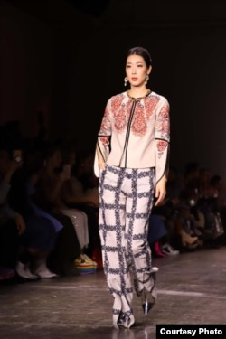 Busana karya Alleira di New York Fashion Week 2019 (Courtesy: IFG).