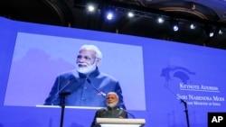အိႏၵိယဝန္ႀကီးခ်ဳပ္ Narendra Modi ၁၇ ႀကိမ္ေျမာက္ ရွမ္ဂရီလာ ေဆြးေႏြးပြဲတြင္ မိန္႔ခြန္းေျပာၾကားစဥ္။ (ဂၽြန္ ၁၊ ၂၀၁၈)