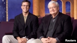 Chicago Sun-Times columnist Richard Roeper (L) and Sun-Times film critic Roger Ebert. (Undated photo)