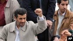 ایران میں انقلاب کی 32 ویں سالگرہ کے موقع پہ تقاریب