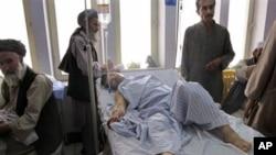 Wani mutum da ya jikkata daga wani hari da aka kia a lardin Kunduz.