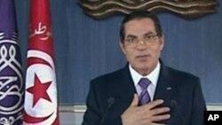 Le président tunisien Zine El Abidine Ben Ali lors de son discours du 13 janvier 2011 (Image de la télévision tunisienne)