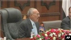 Επιστροφή έκπληξη του Αμπντουλάχ Σαλέχ στην Υεμένη