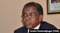 Dr. Djabar Hamid, secrétaire général du ministère de la santé publique, N'Djamena, 21 septembre 2017 (VOA/André Kodmadjingar)