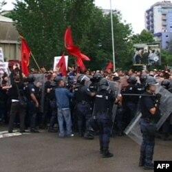 Server: Kako garantovati da podela Kosova ne bi destabilizovala Balkan?