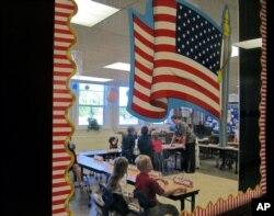 Sinif otaqları Amerika demokratiyasının ilkin laboratoriyasıdır.