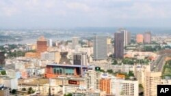 Vue aérienne du Plateau, le quartier des affaires à Abidjan