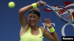 La australiana Samantha Stosur, campeona del US Open de tenis en el 2011 perdió su sexto partido consecutivo ante la bielorrusa Victoria Azarenka.