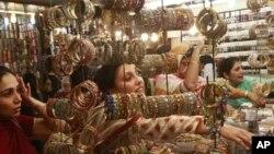 کراچی میں کاروباری سرگرمیاں بحال
