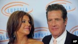 Viuda de Glenn Frey demanda a hospital en Nueva York