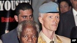 시리아를 긴급 방문한 코피 아난 국제 평화 특사(왼쪽)와 로버트 무드 유엔 시리아 감시단장.