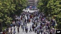 在发生多起严重暴力恐怖事件后,新疆各处的治安明显得到了加强。