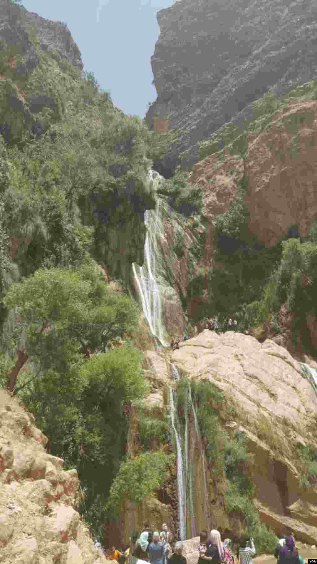 آبشار نوژیان ۴۵ کیلومتری خرم آباد لرستان عکس: بهرام (ارسالی از شما)