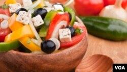 La dieta mediterránea es muy saludable, dicen algunos expertos de la salud.