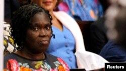 Simone Gbagbo, l'ex-première dame ivoireinne lors d'une audience du procès pour les violences post-éelctorales qui ont fait plus de 3.000 morts en Cote d'Ivoire entre 2010 et 2011.