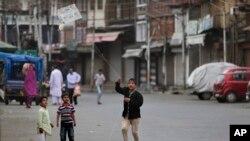 بھارت کے زیرِ انتظام کشمیر میں حالات تاحال معمول پر نہیں آ سکے۔