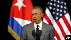 쿠바를 방문 중인 바락 오바마 미국 대통령이 22일 아바나에서 TV 생중계 연설을 하고 있다.