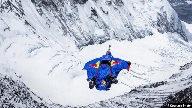 Valery Rozov performs at the Red Bull Top Altitude at North Everest (Chantse), China on May 5, 2013 (Credit: Thomas Senf/Red Bull Content Pool)