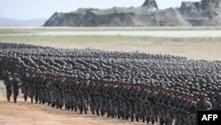 中國解放軍2017年在內蒙古朱日和軍事基地演習。(資料圖片)
