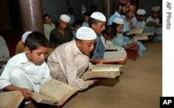 پاکستانی مدرسہ