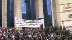 埃及抗議者在總統官邸外露營
