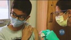 Вже цього тижня у США вакцину від коронавірусу компанії Пфайзер зможуть отримати діти віком від 12 до 15 років. Відео