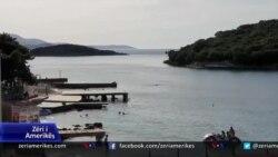 Covid-19, vështirësitë e turizmit bregdetar dhe natyror