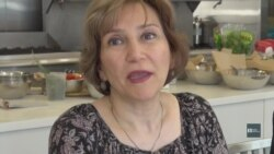 Адаптація до життя в імміграції: як вивчити англійську та одночасно навчитися куховарити. Відео