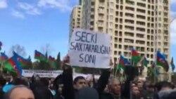 Milli Şuranın «Talana son»şüarı ilə keçirilən mitinqdə Cəmil Həsənli çıxış edir